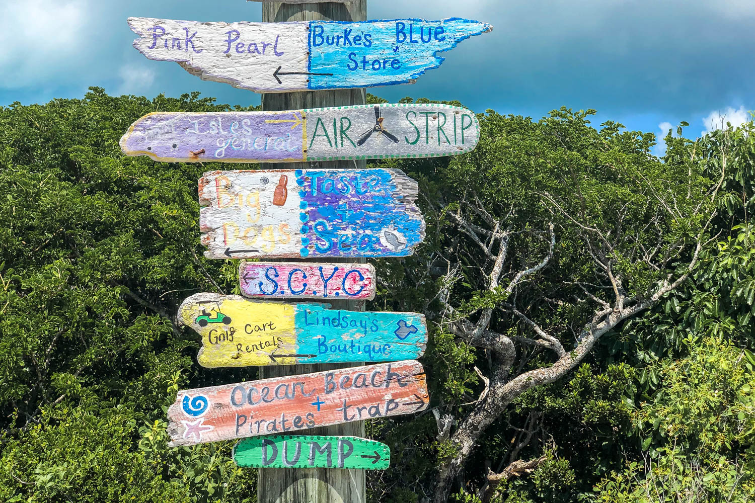 Staniel Cay Bahamas signpost is one of the cute things to see on Staniel Cay Exuma. Staniel Cay is one of the top places to visit in the Bahamas