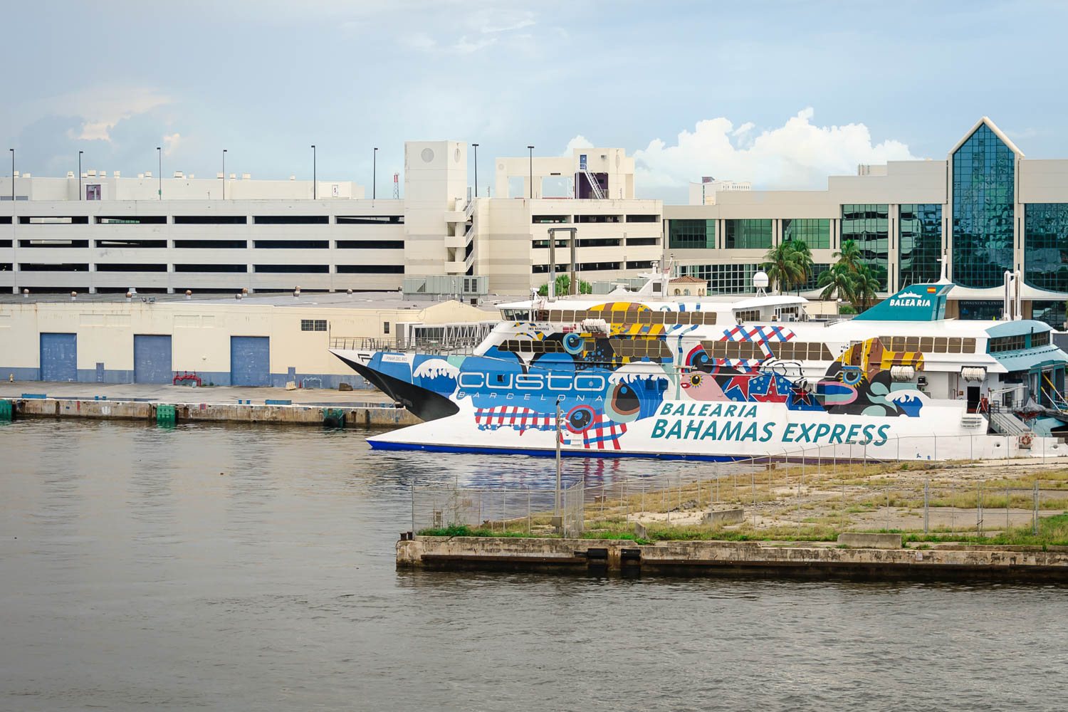 A day trip to Bahamas from Miami has become a popular island escape for many vacationers. The ferry Miami Bahamas takes 6 hours round trip. Take the Miami to Bahamas ferry with the whole family.