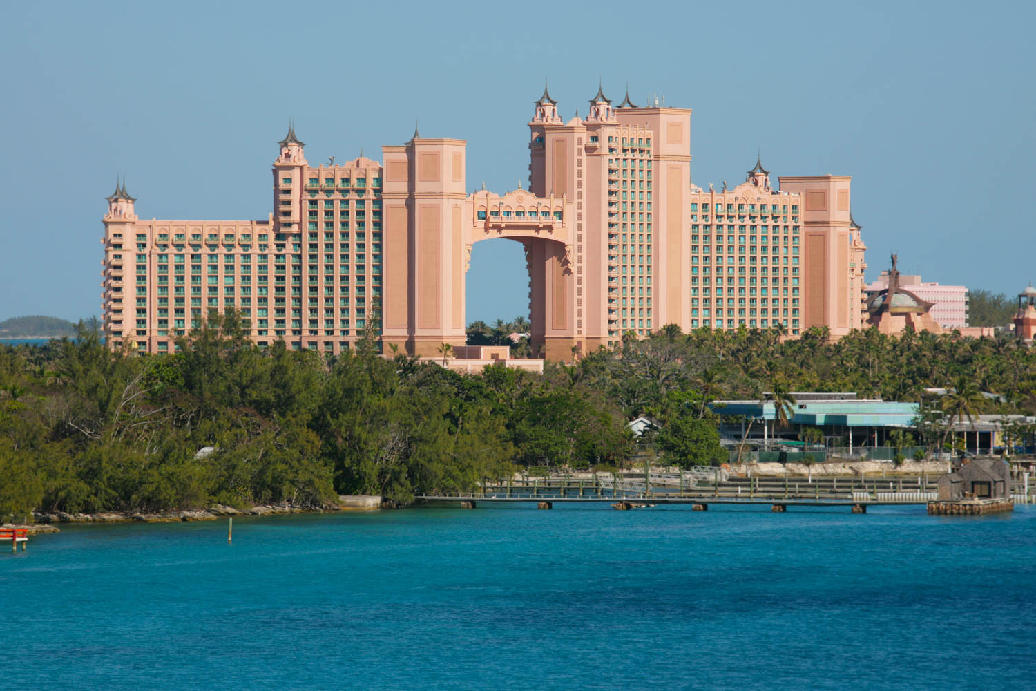 You must visit Atlantis Resorts in Paradise Island on your day trip to Bahamas. There are so many things to do in Atlantis Bahamas like the Aquaventure Waterpark. One of the things to do in Nassau Bahamas.