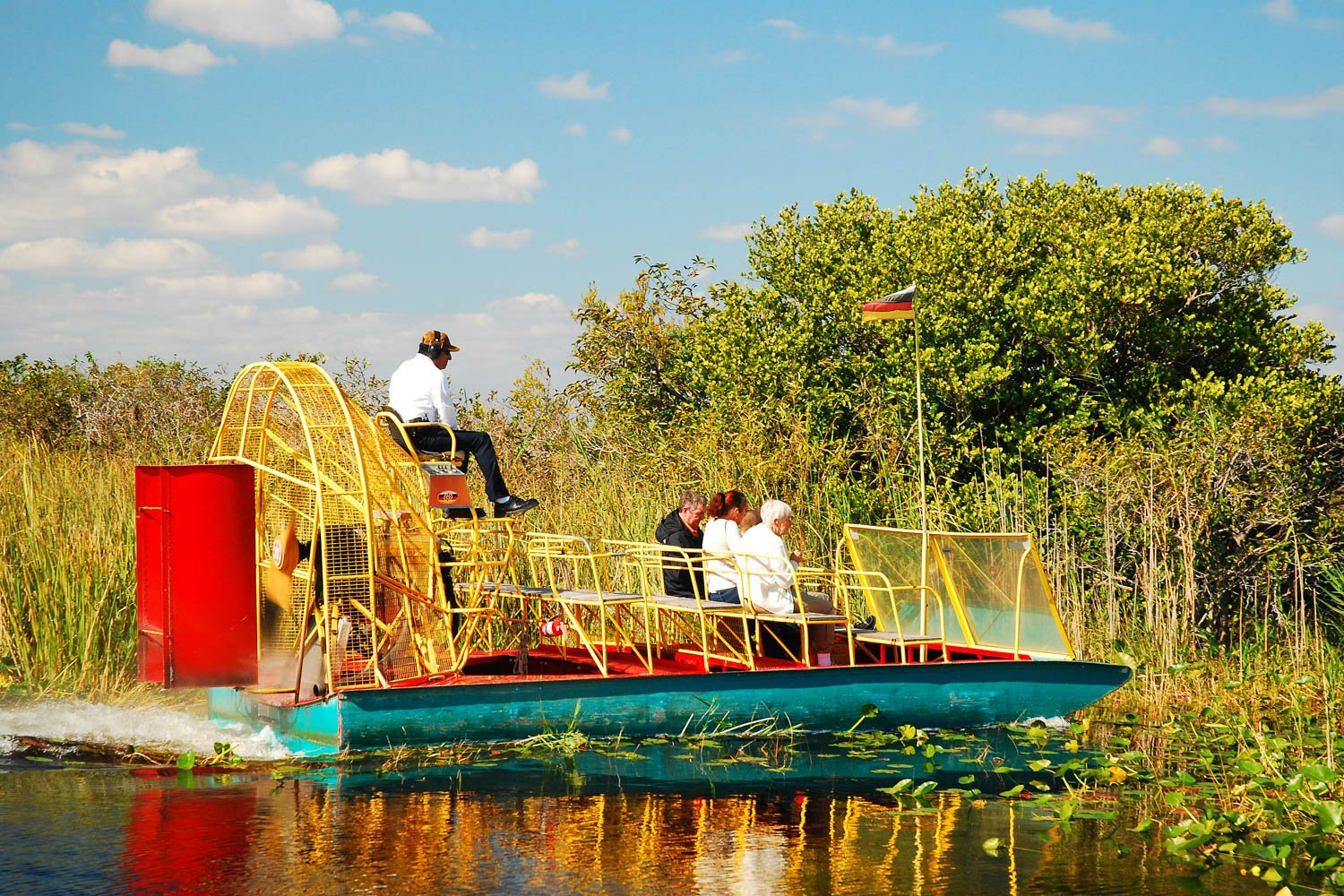 Everglades tours are one of the popular things to do in South Florida. If looking for fascinating places to visit in Florida, look no further.