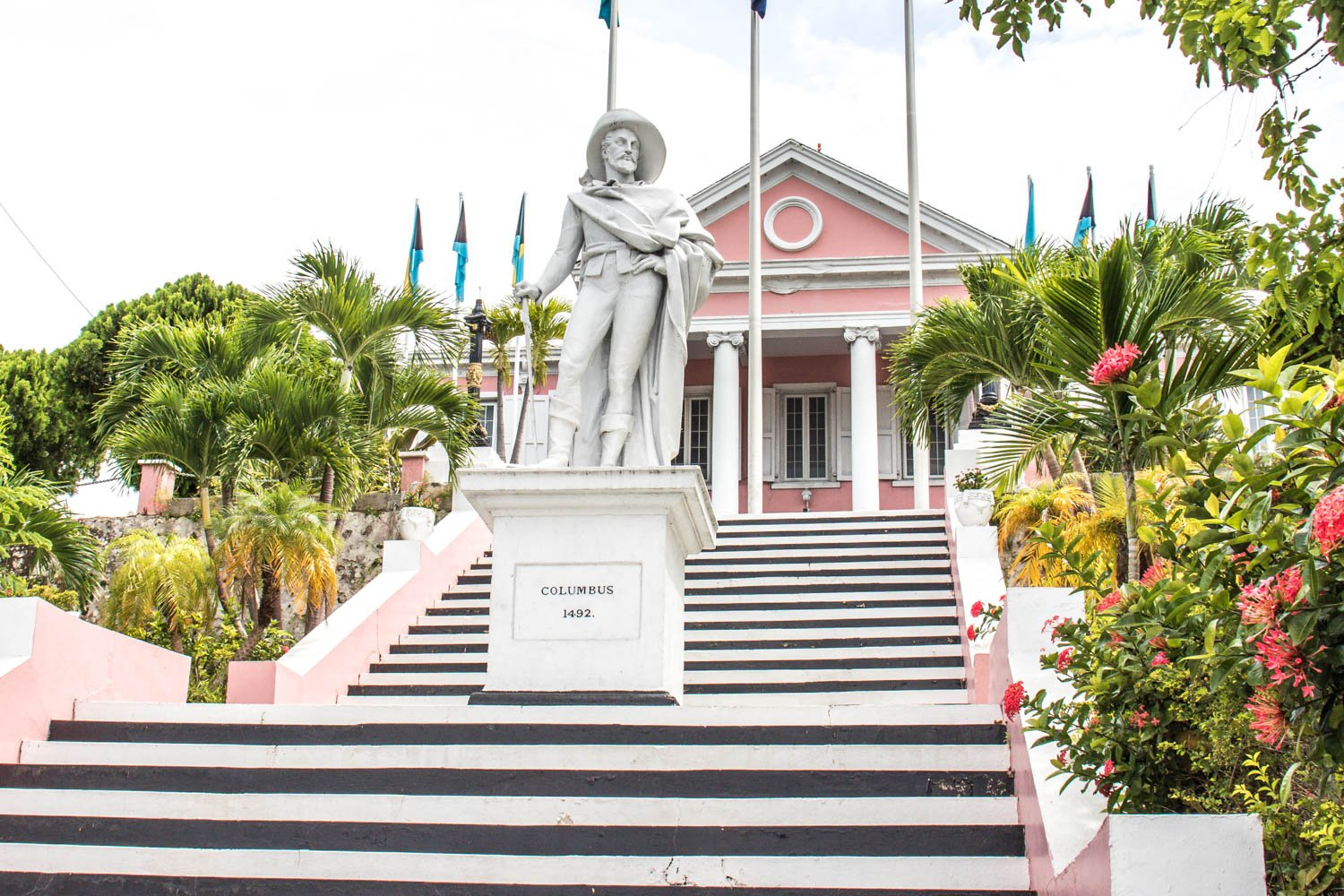 Nassau is an important tourism center in the Bahamas. There are many things to do in Nassau on a cruise even if you don't know what to do in Nassau Bahamas.