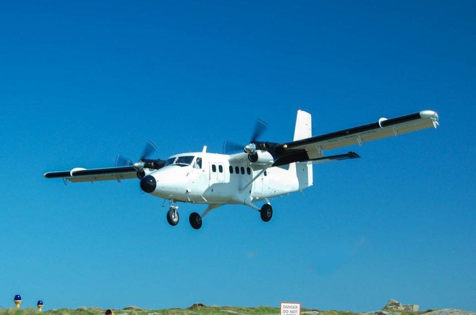 Flights to Big Major Cay Bahamas Pig Beach in Exuma Bahamas. Fly from Nassau to Swimming Pig Island next to Staniel Cay Airport