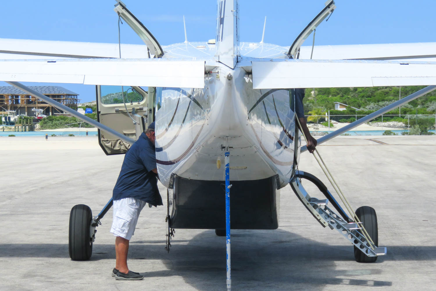 How to get from Nassau to Exuma ? Take a flight to Big Major Cay with Bahamas Air Tours Bahamas Day Trip and their Nassau to Pig Island excursion by plane. Fly from Nassau to Staniel Cay